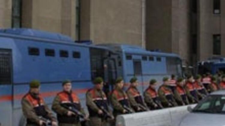 8 asker serbest bırakıldı