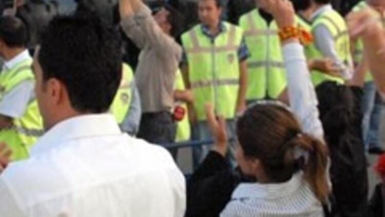 Linçten kurtulmak için BDP'lilere sığındı