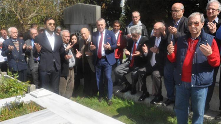"""Beşiktaş """"Baba Hakkı""""yı andı"""