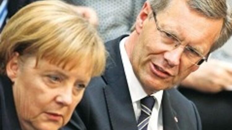 Merkel'in karizması çizildi