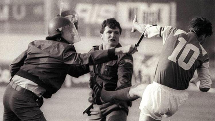Yugoslavya'yı bölen tekmenin 25. yıldönümü... - Son Dakika Spor Haberleri