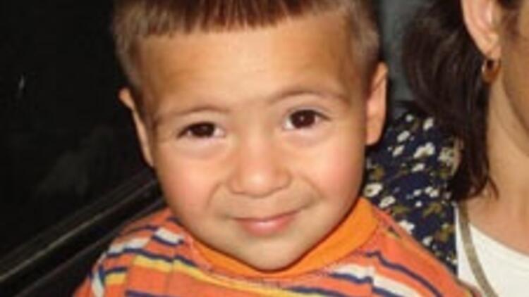 2.5 yaşındaki oğlu bakla zehirlenmesinden öldü