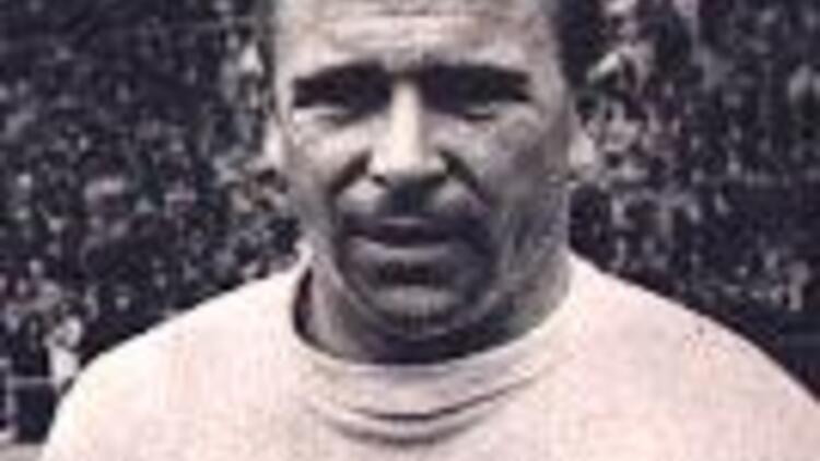 Efsanevi futbolcu Puşkaş öldü