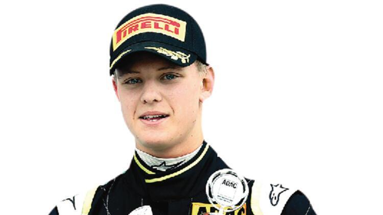 Junior* Schumacher pistte