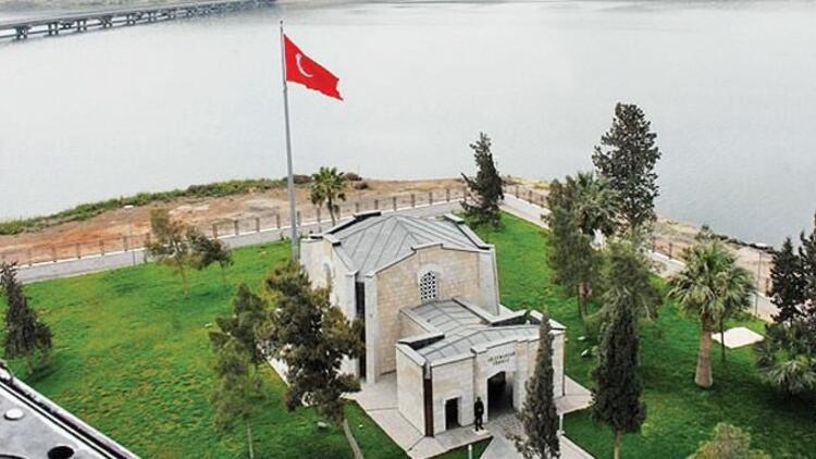Süleyman Şah saygı karakolundaki askerler tahliye edildi