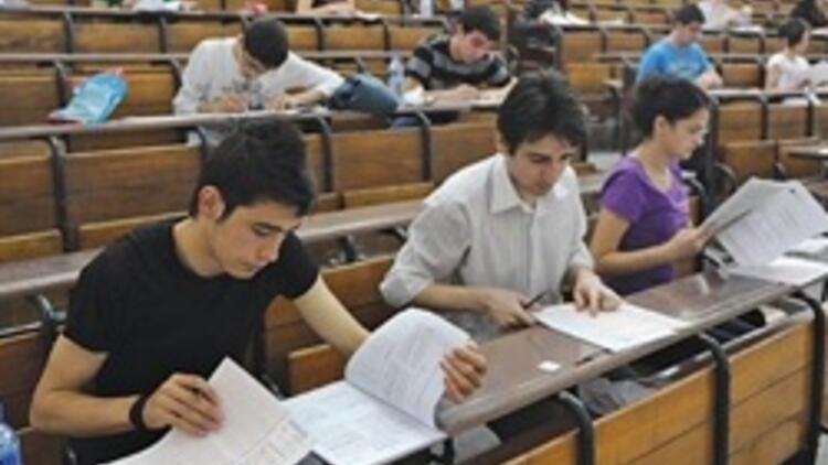 Sınava giren 2 kişiden biri üniversiteli olacak