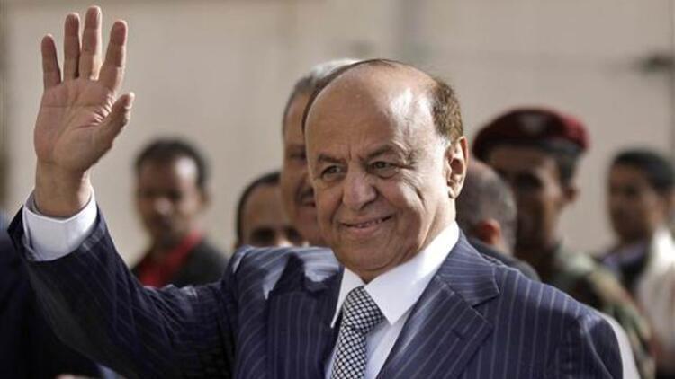 'Yemen lideri Hadi tekneyle ülkeden kaçtı'