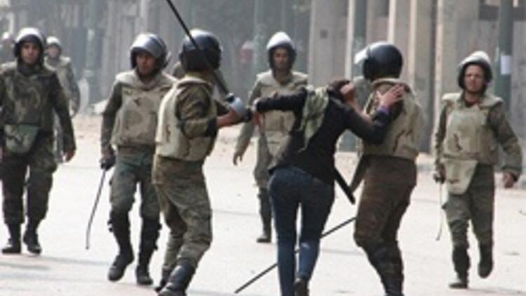 Mısır polisi şiddetin dozunu kaçırdı