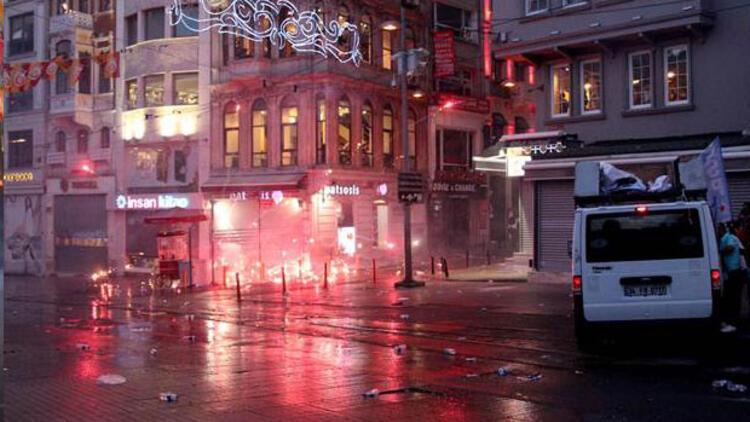 Suruç protestosuna Taksim'de polis müdahalesi