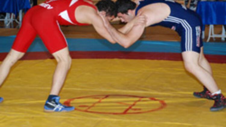 Şampiyonanın ilk gününde 5 Türk sporcu mindere çıktı