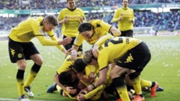 Bundesliga'nın zirvesinde kaybeden yok