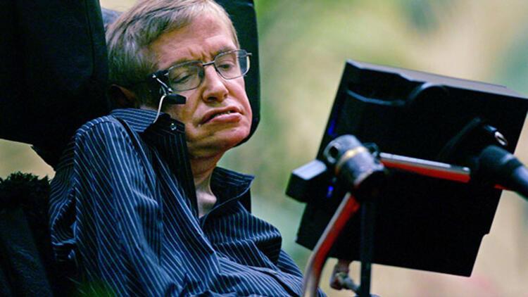 Stephen Hawking'den gençlere mesaj: Hayatla kavga etmeyin