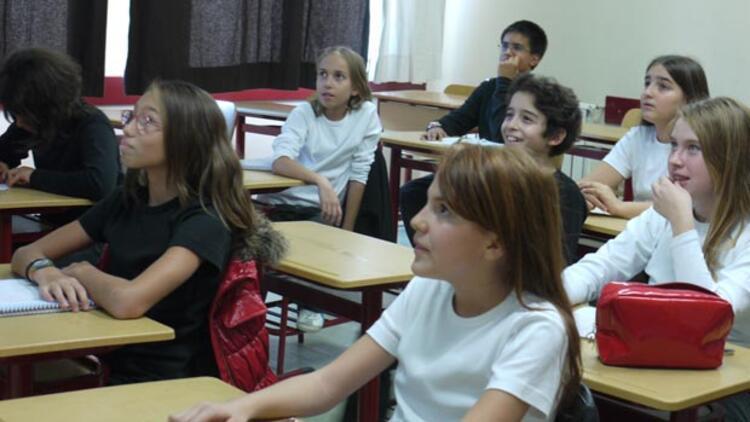 Kızların okullaşma oranı erkekleri geçti