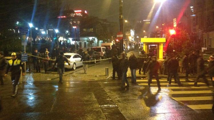Sultanahmet'te polise bombalı saldırı: 1 polis şehit, 1 polis yaralı