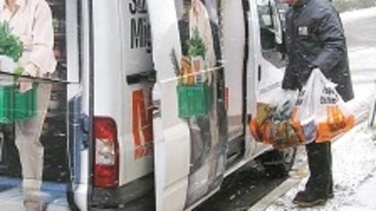 Kar, Marmara'yı eve kapattı, alışveriş hemen internete kaydı