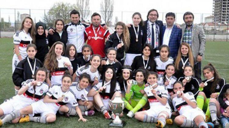 Beşiktaş Kadın Futbol Takımı şampiyon!