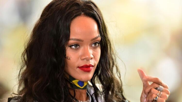 Rihanna futbol takımı satın alıyor!