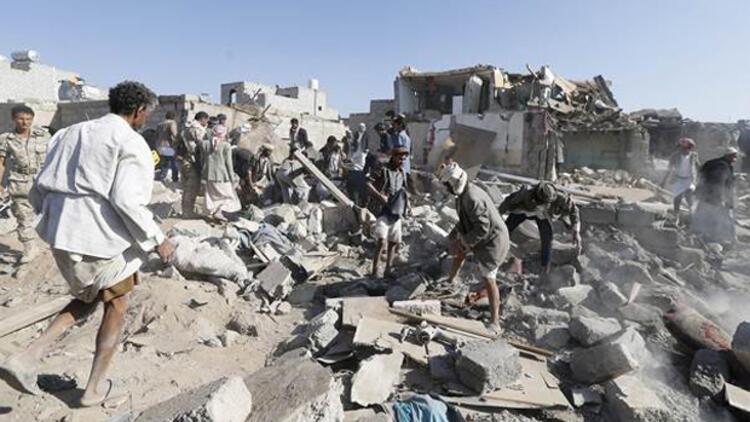 Arap ülkelerinden Yemen'e hava saldırısı