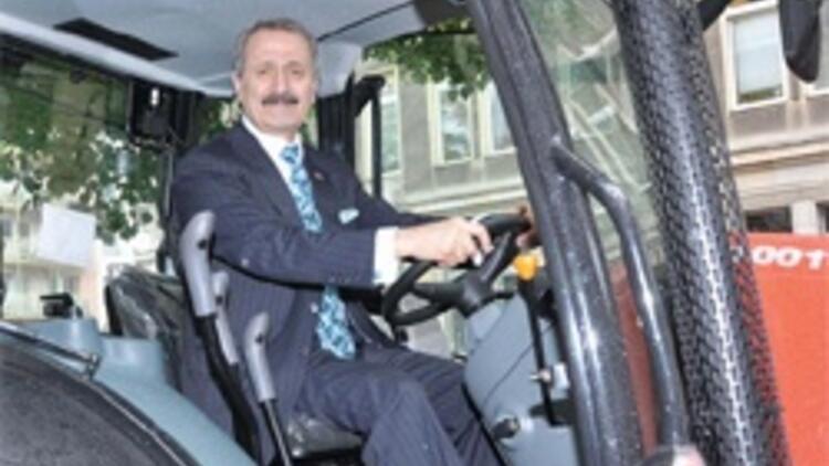 Polonyalı, Türk tasarımı traktörü sevdi  350 milyon Euro'luk yeni sipariş verdi