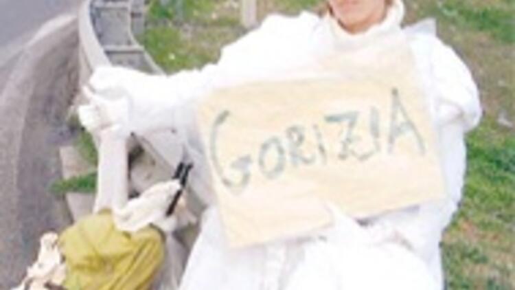 Gelinlikli otostopçunun Gebze'de cesedi bulundu