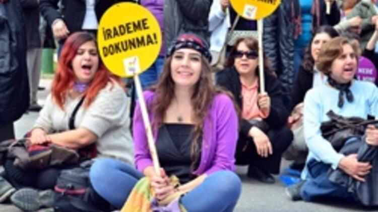 """8 Mart """"Dünya Kadınlar Günü"""" Türkiye'de kutlandı"""