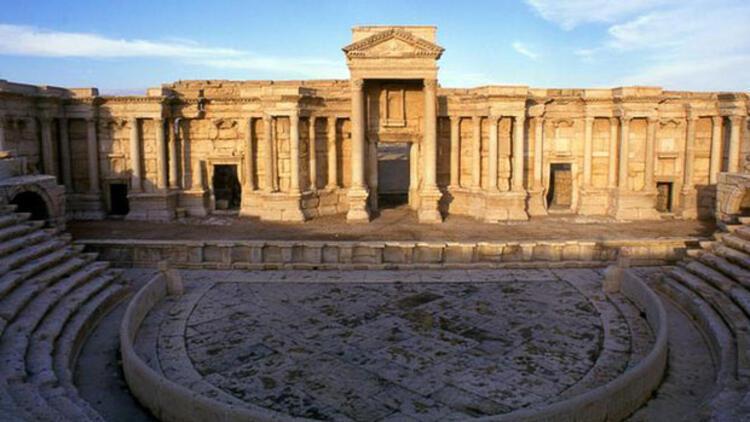 Amfi tiyatroda IŞİD katliamı