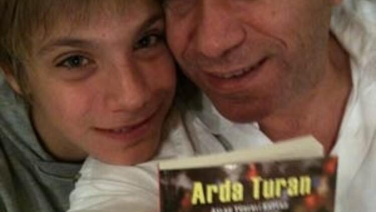 Sabri Ugan Arda'nın kitabını yazdı