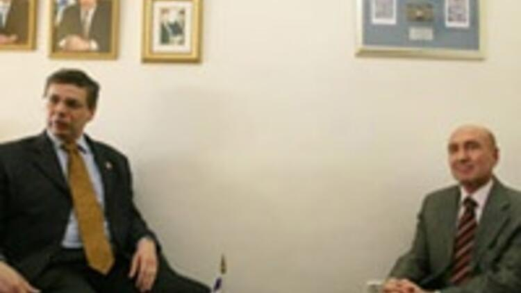 Türk Büyükelçi Çelikkola yapılan ayıba İsraillilerden sert tepki