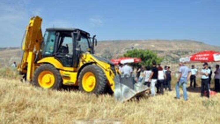 Tunceli'de toplu mezar kazısında ilk kemiklere ulaşıldı