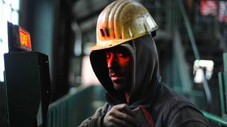 İşçilerin peşinde olduğu Uyar Madencilik'te trafik karışık