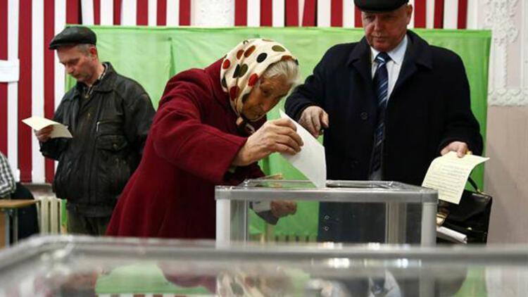 Kırım'daki referandumdan ilk resmi sonuçlar