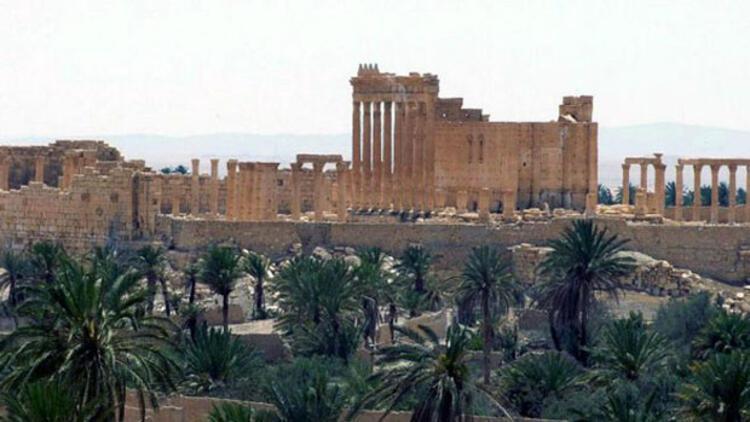 Şam'dan Palmira'ya hava operasyonu