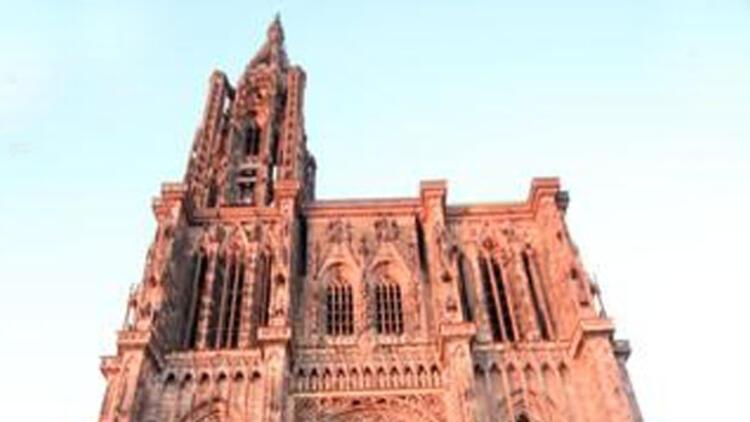 Notre-Dame katedrali 1000 yaşında