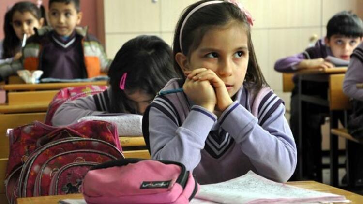 Okullar ne zaman açılacak? Başbakan Ahmet Davutoğlu açıkladı