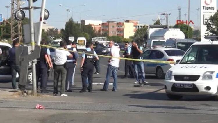 PKK polis aracını taradı: 1 komiser şehit oldu, 1 polis yaralı