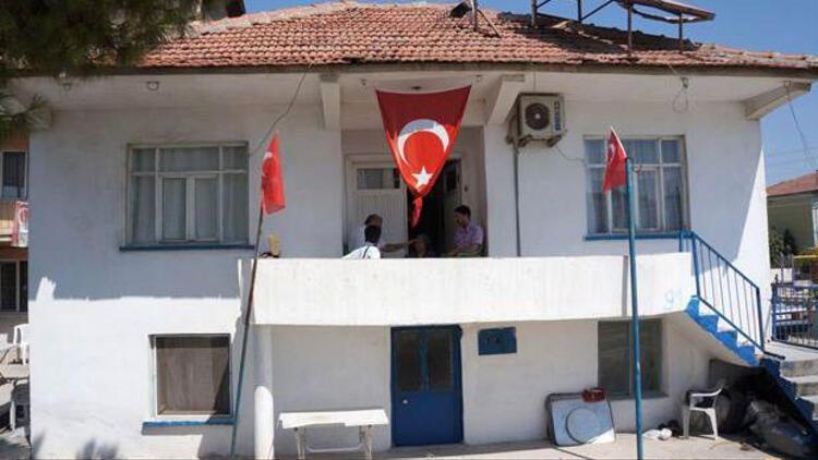 Şehidin evinden bayrak bu nedenle geri alınmış