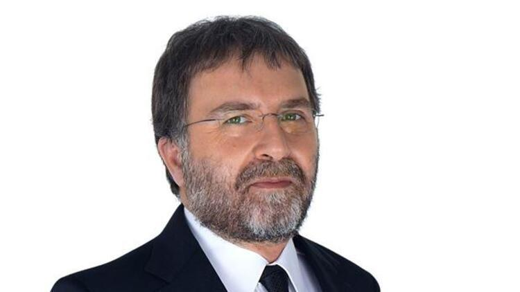 Hürriyet yazarı Ahmet Hakan evinin önünde saldırıya uğradı