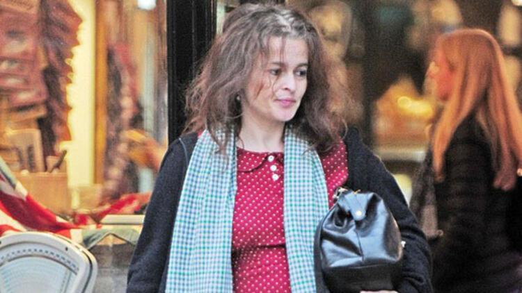 Helena Bonham Carter kasaba giderse...