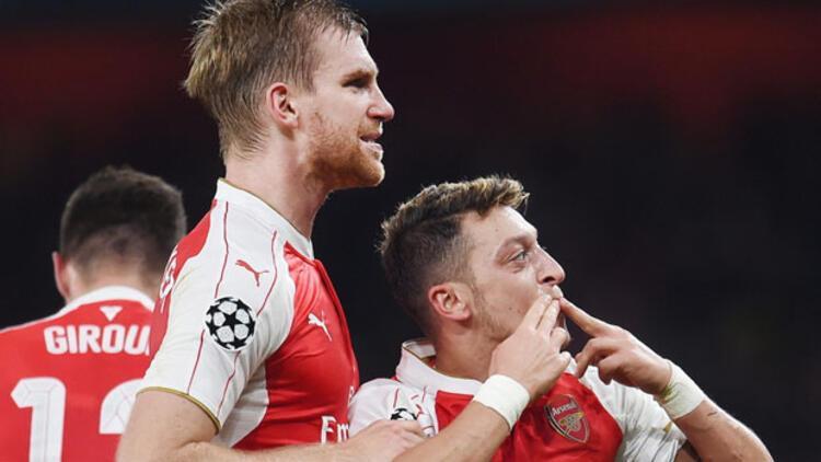 Arsenal gruptaki ilk galibiyetini aldı