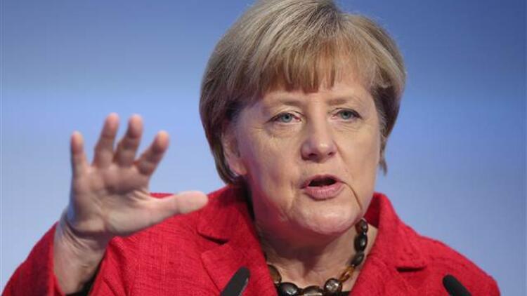 Merkel: Balkanlarda askeri çatışmanın başlamasını istemiyorum