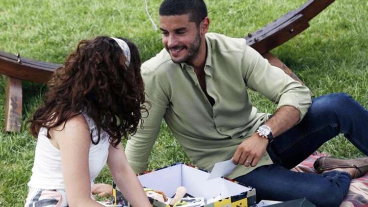 İlişki Durumu Karışık izle | Can ile Ayşegül'ün 'zoraki' romantik tanışması!