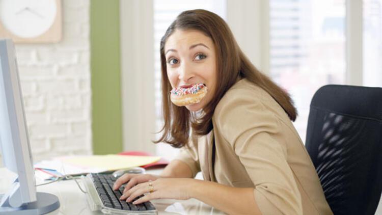 İş stresi yeme bozukluğuna yol açıyor