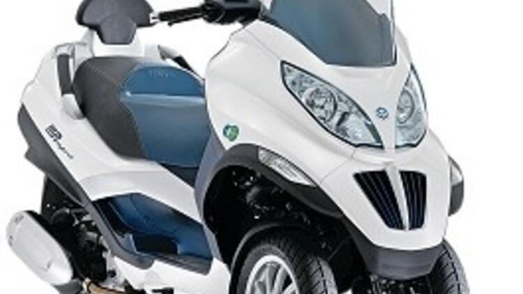 3 tekerlekli 2 motorlu scooter
