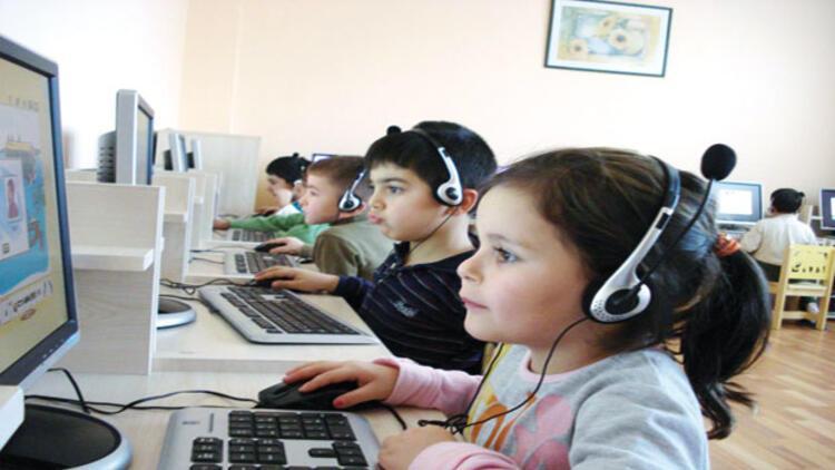 Çocuklar bilgisayar kodları yazacak
