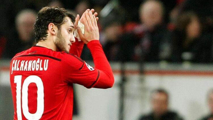 Hakan Çalhanoğlu'na UEFA'dan büyük onur