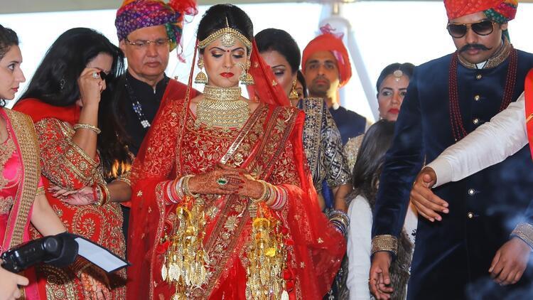 Antalya'da 4 gün 4 gece Hint düğünü