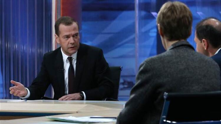 Medvedev: Türkiye'ye savaş ilan edebilirdik ama biz bu adımı atmadık