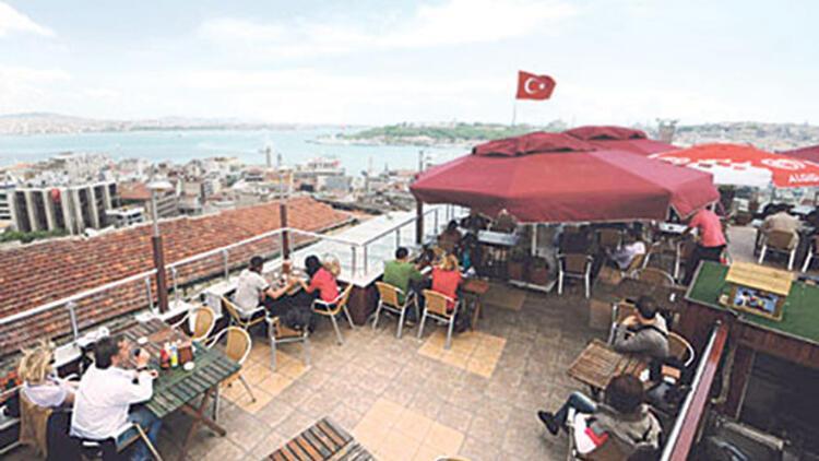İstanbulun tarihi yarımadasında tarihe çatı ayarı