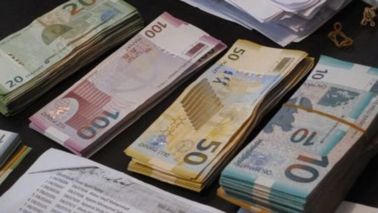 Azerbaycanda devalüasyon oldu