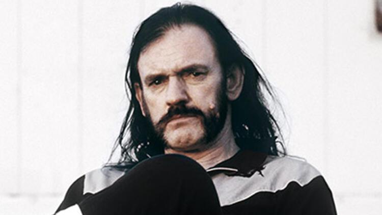 Ünlü rock şarkıcısı Lemmy Kilmister hayatını kaybetti